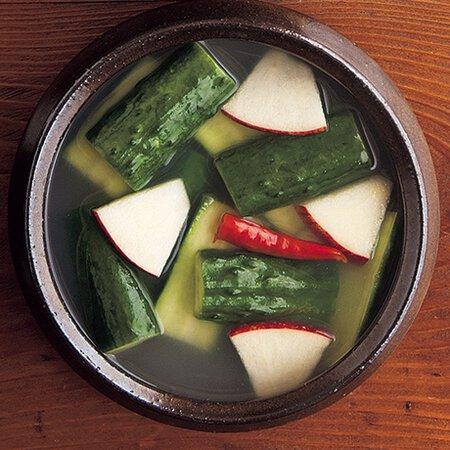 きゅうり水キムチ byコウケンテツさんの料理レシピ - プロのレシピなら ...